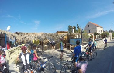 Po otokih Dalmacije